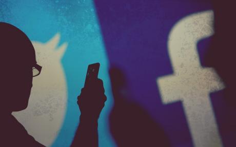 [Redes Sociales] ¿Qué escoger para tu empresa Twitter o Facebook? El combate del año
